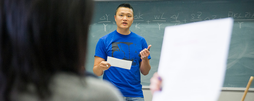 UC Davis economics graduate student Henry Hao, an Outstanding Graduate Student Teaching Award winner, instructs students. (Karin Higgins/UC Davis)