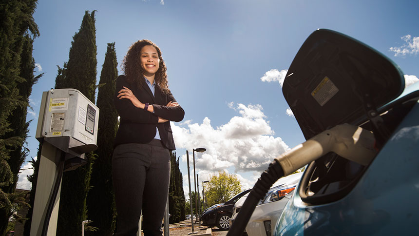 Senior Kathryn Green presented her policy research on California's consumer rebate for clean vehicles to a showcase for alumni, donors, regents and other friends of the University of California in Los Angeles on April 20. (Karin Higgins/UC Davis)