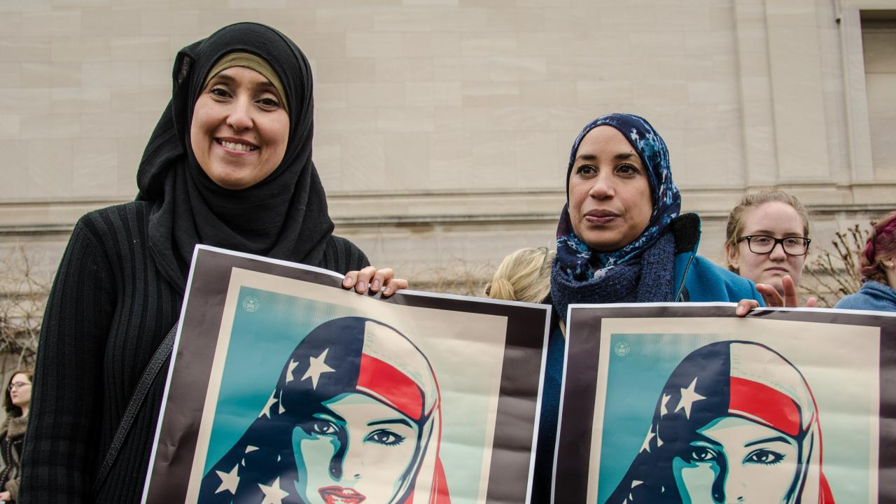 Some US Muslims identify less as Americans due to negative media coverage